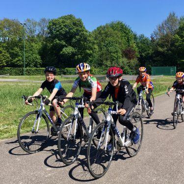 Clinic op de wielerbaan in Hapert